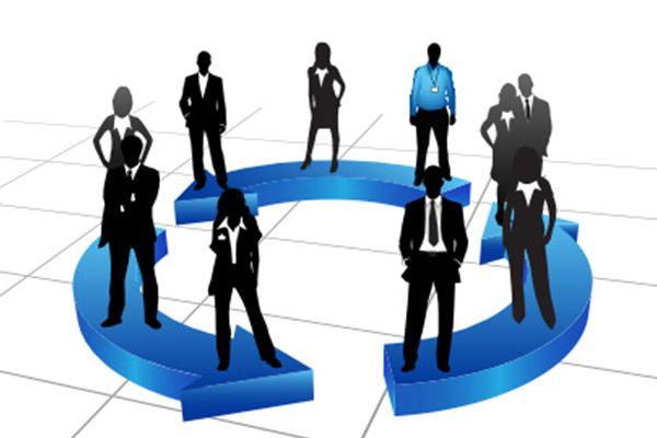 contratados, voluntarios, juntas directivas, patronatos..